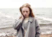 jente ved havet, fototype, rødt hår