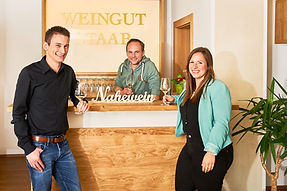 Jungwinzer Vinothek Weingut.jpg