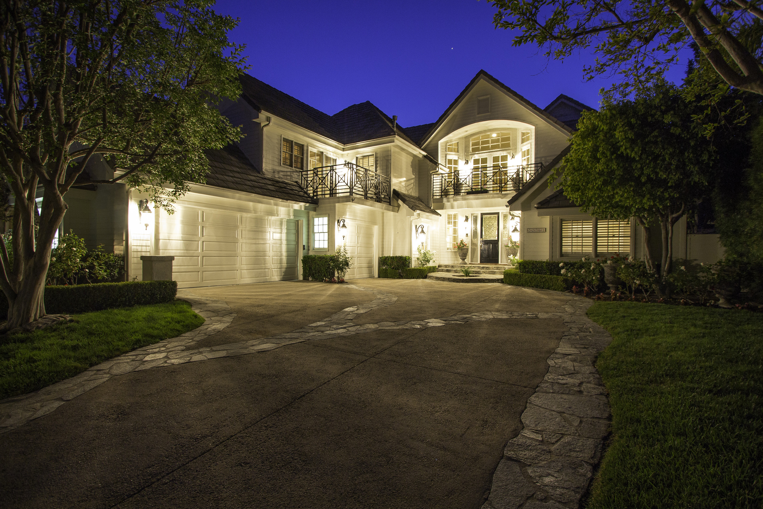 868607-Front_House_Twilight_1