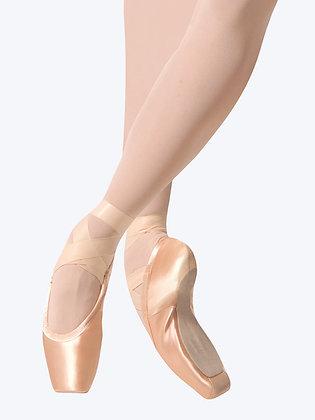 Gaynor Minden, Pointe Shoes