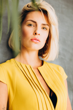 Foto: David Straßburger Model: Julia Kammerer Make-up/Hair: sabella Kirchner Fashionstyling: Monte Miau