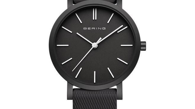 Rellotge Bering alumini color negre.Reloj Bering aluminio color negro.