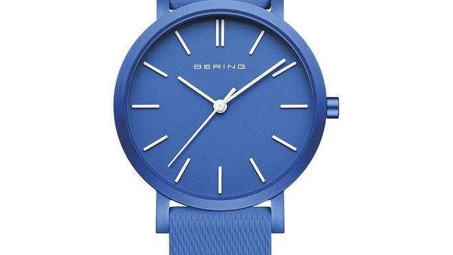 Rellotge Bering alumini color blau .Reloj Bering aluminio color azul.
