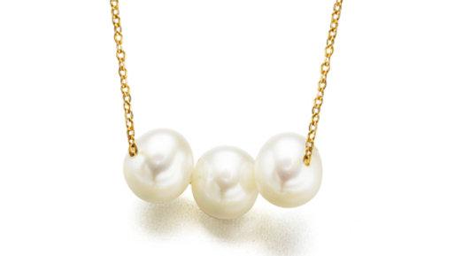 Cadena or amb tres perles cultivadas.Cadena oro con tres perlas.