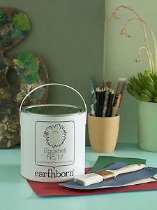 Earthborn Eggshell No.17 tin featuring S