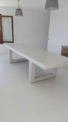 Microcement Floor & Kitchen Table Escorial