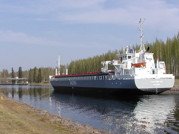Future Potential of Russian and Finnish Inland Waterways - New Business Alternatives
