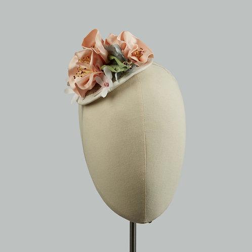 Women's delicate flower fascinator - Chloe