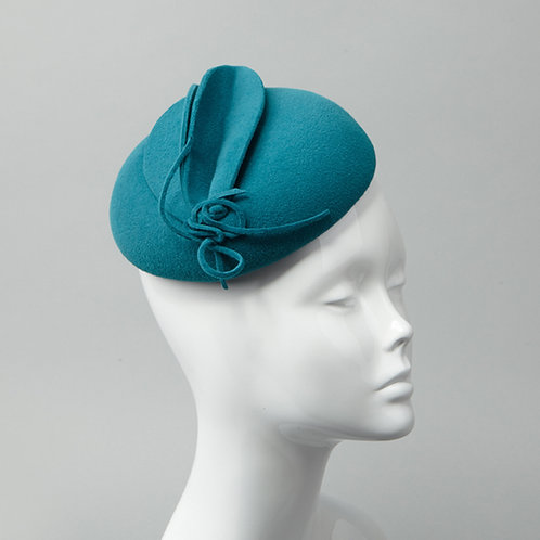 Teal fur felt beret style cocktail hat - front view