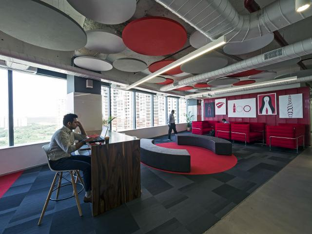 Red-and-white-dominate-the-office-space