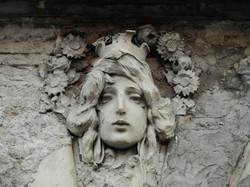 Architekturdetail Frauenkopf