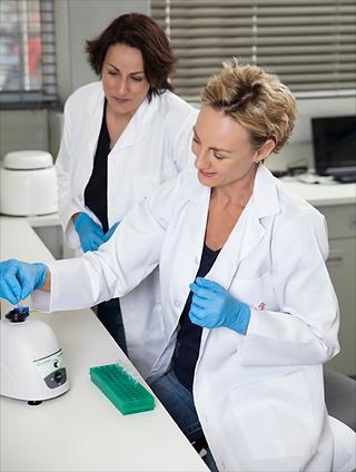 Dr-Leslie-Lab.png