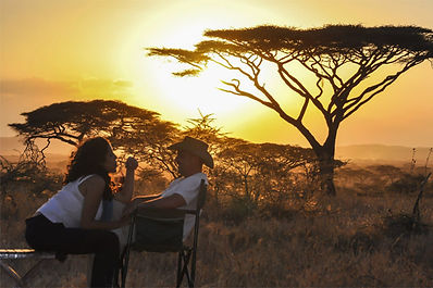 COUPLES-SAFARI-SUNDOWNERS.jpg