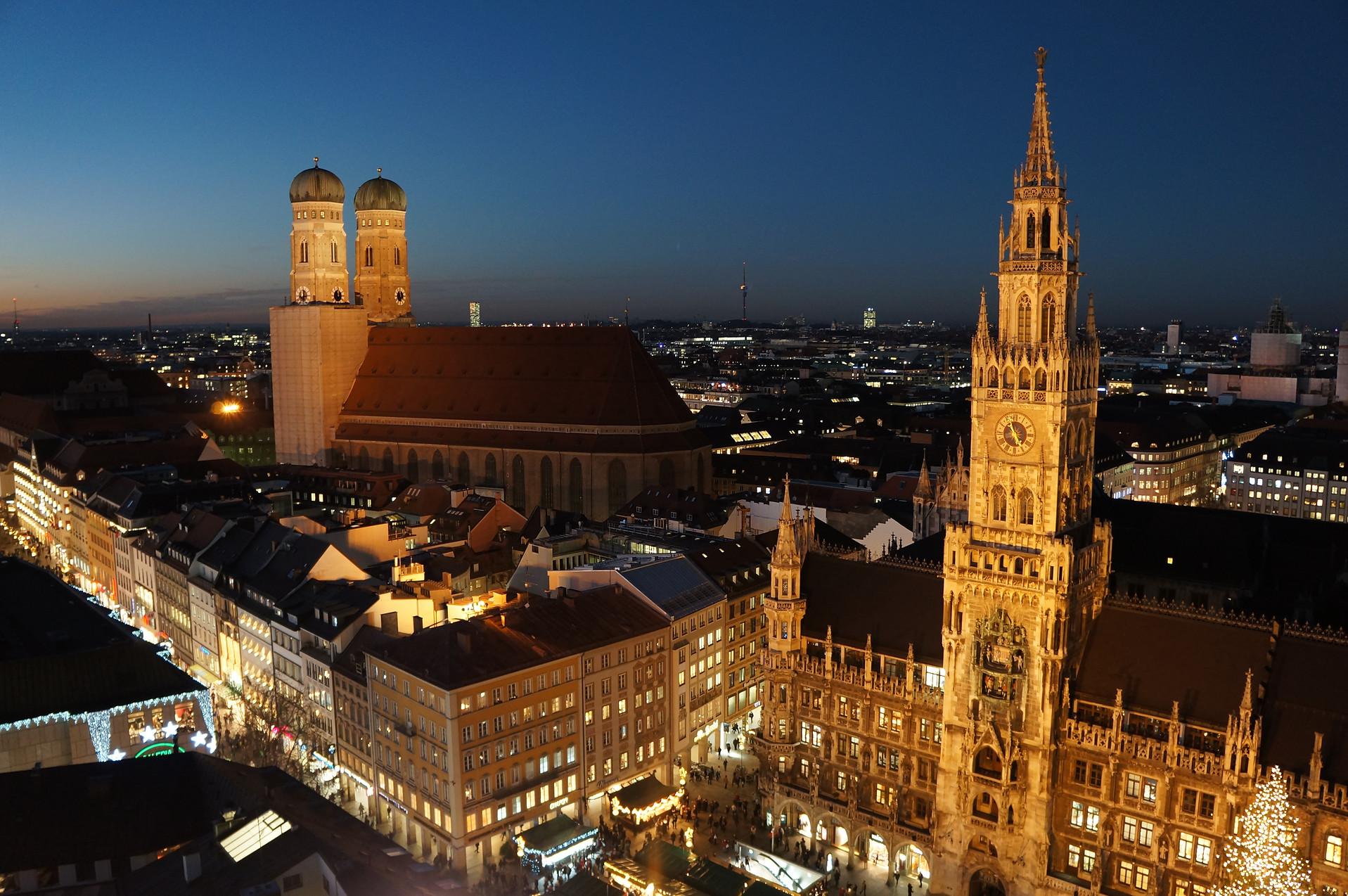 christmas panorama of Marienplatz, Munic
