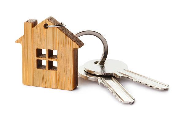 House keys with house shaped keychain, i