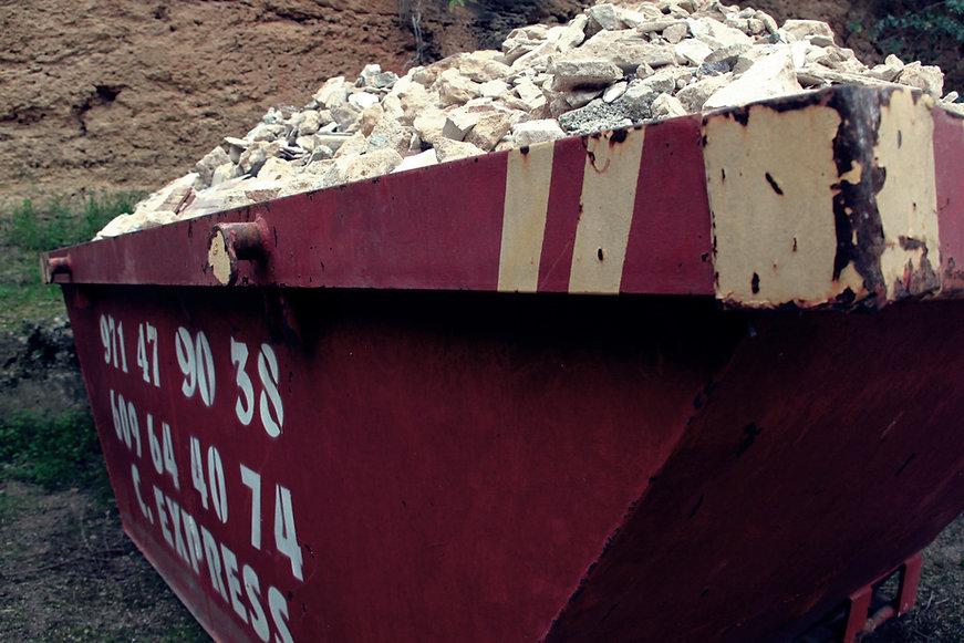 Contenedor para escombros petreos y de obra