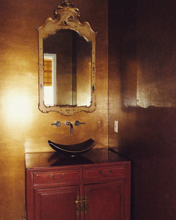 Metallic venetian plaster on the walls,