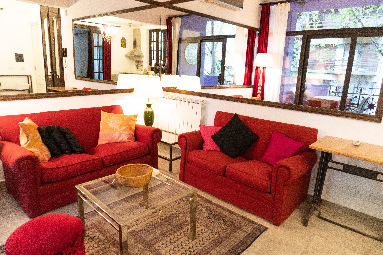Luna Lila living area