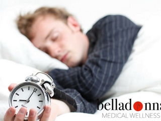 ¿Cuáles son algunos de los peligros de no obtener suficiente sueño o dormir?