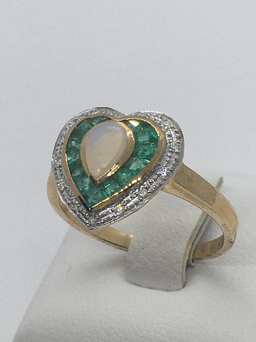 9ct Gold Emerald Diamond Opal Ring
