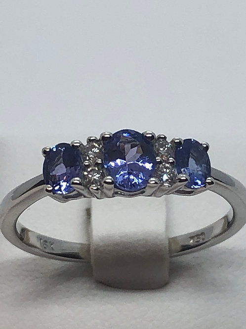 18ct White Gold Tanzanite Diamond Ring