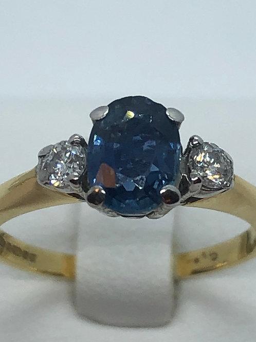18ct Yellow Gold Diamond Sapphire Ring