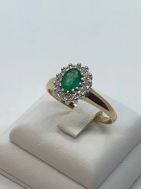 14ct Yellow Gold Diamond Emerald Ring