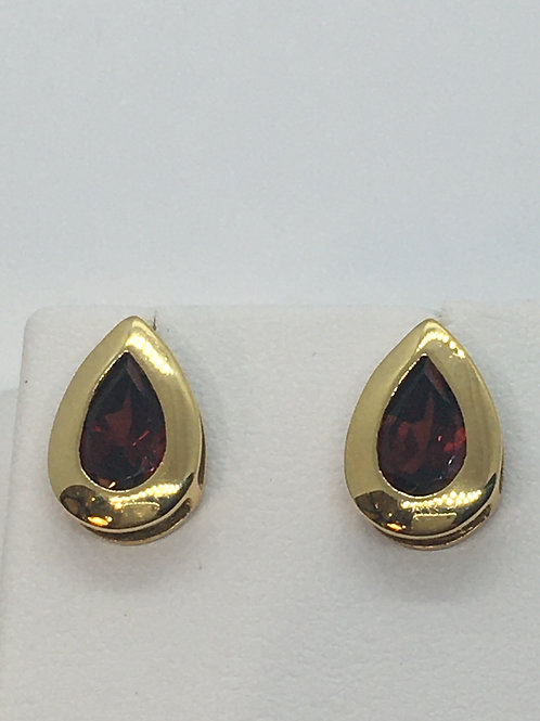 18ct Yellow Gold Diamond Garnet Earrings