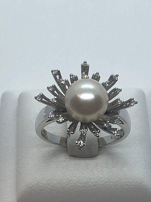 18ct White Gold Diamond Pearl Ring
