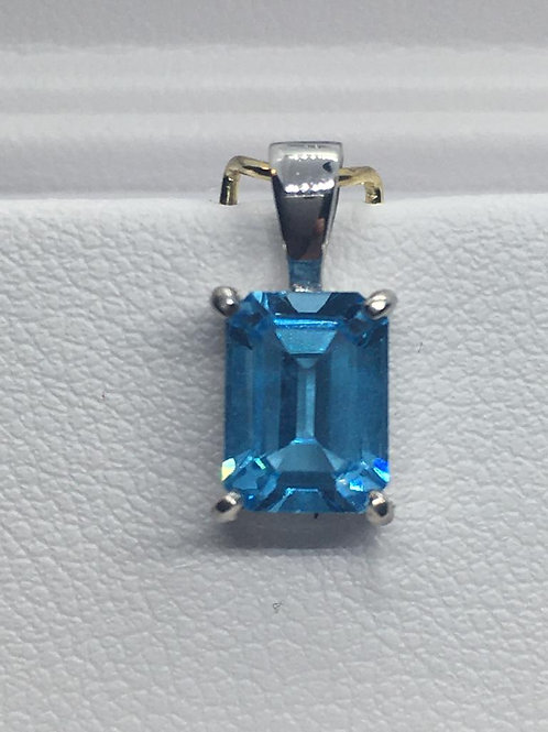 9ct White Gold Blue Topaz Pendant