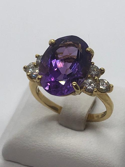 18ct Yellow Gold Diamond Amethyst Ring