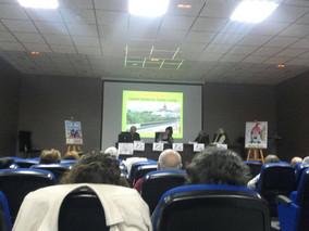 """Mesa redonda """"La Inclusión Social de Barrios Desfavorecidos"""""""