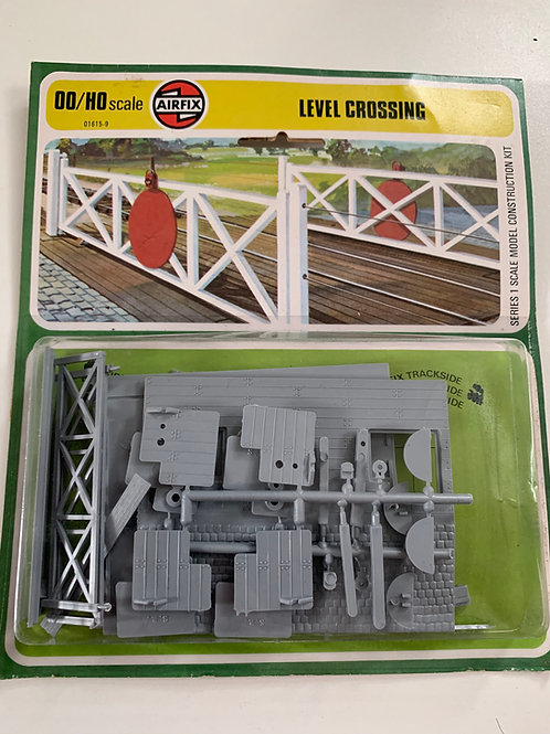 01615-9 LEVEL CROSSING