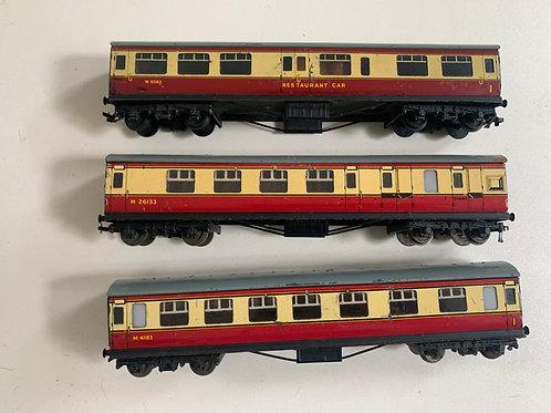 D12 L.M.R. SET OF 3 COACHES 32017, 32018 & 32097