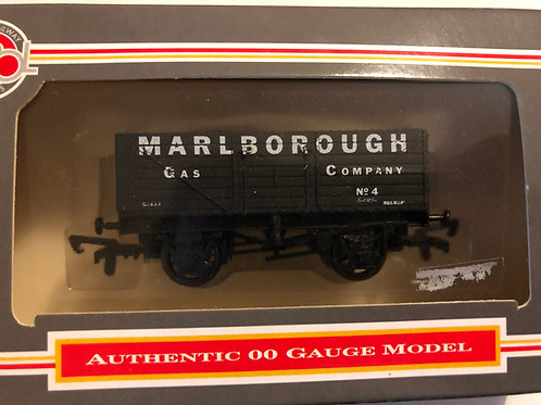 B362 - 7 PLANK WAGON MARLBOROUGH GAS CO