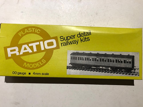 RATIO 5713 MIDLAND LOW ROOF 3RD / BRAKE SUBURBAN BOGIE COACH
