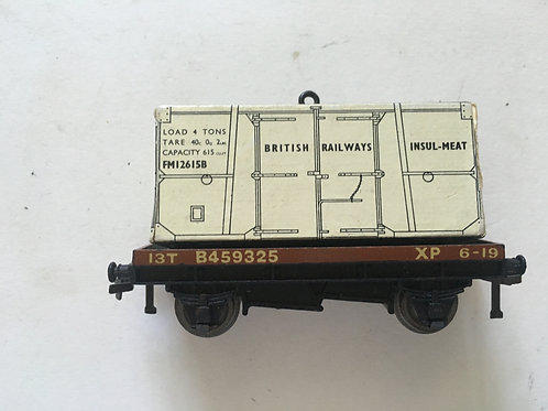 32088 FLAT BED WAGON WITH INSULMEAT LOAD - USED