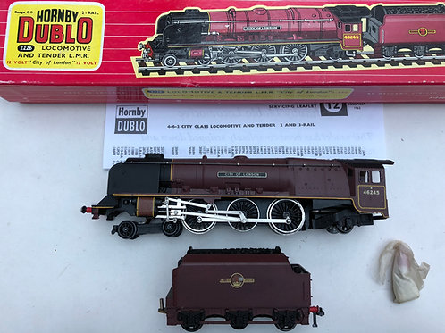 2226 CITY OF LONDON LOCOMOTIVE AND TENDER BOXED