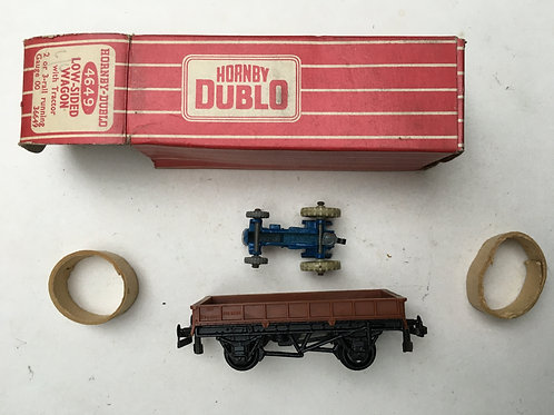 4649 LOW SIDED WAGON WITH TRACTOR