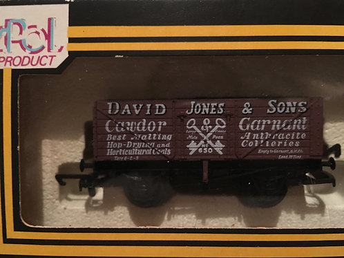 B89 - 7 PLANK WAGON 'DAVID JONES'
