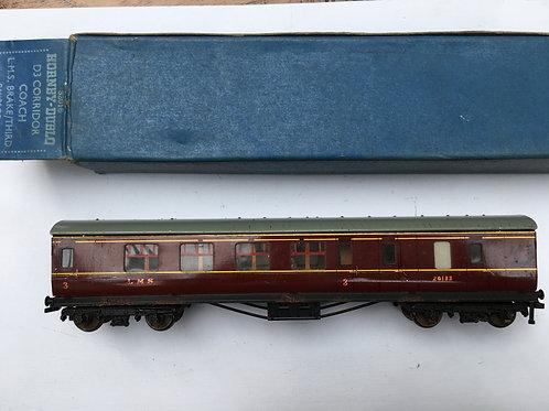 32016 D3 CORRIDOR COACH L.M.S. BRAKE/3rd 26133 - 4/1951