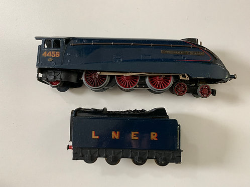 2-RAIL A4 CLASS LNER COMMONWEALTH OF AUSTRALIA LOCOMOTIVE 4458 & TENDER
