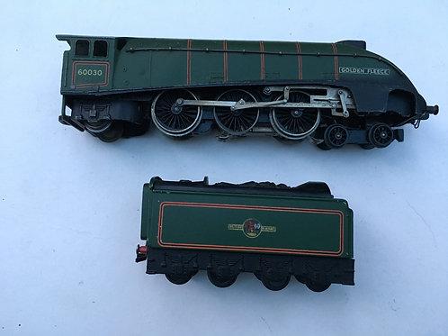 3-RAIL BR GREEN A4 CLASS GOLDEN FLEECE LOCOMOTIVE 60030 & TENDER