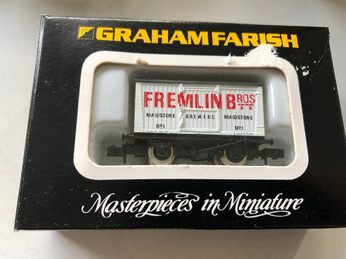 2317 SINGLE VENT VAN FREMLINS