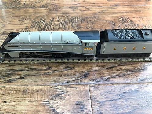 3-RAIL LNER A4 QUICK SILVER 2510 LOCOMOTIVE & TENDER