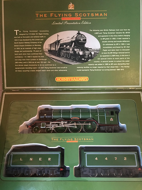 R.075 FLYING SCOTSMAN & 2 TENDERS PRESENTATION BOX