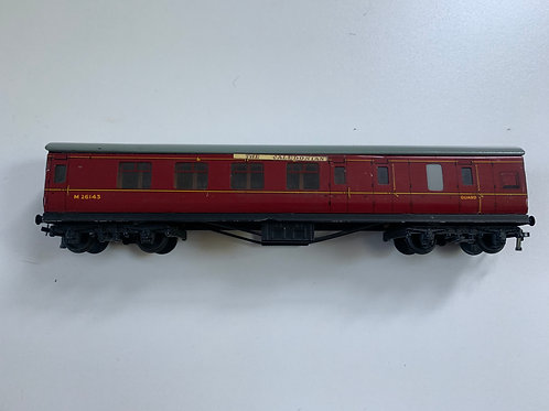 32023 D22 BRAKE/2ND COACH M26143 - 2 or 3 RAIL - THE CALEDONIAN HEADBOARDS