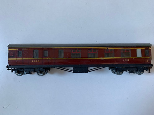 32016 D3 CORRIDOR COACH L.M.S. BRAKE/3rd 26133