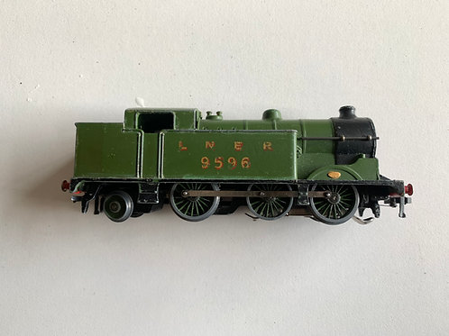 EDL7 0-6-2 LNER TANK LOCOMOTIVE 9596