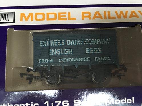 EXPRESS DAIRY ENGLISH EGGS VENT VAN - DEVONSHIRE FARMS